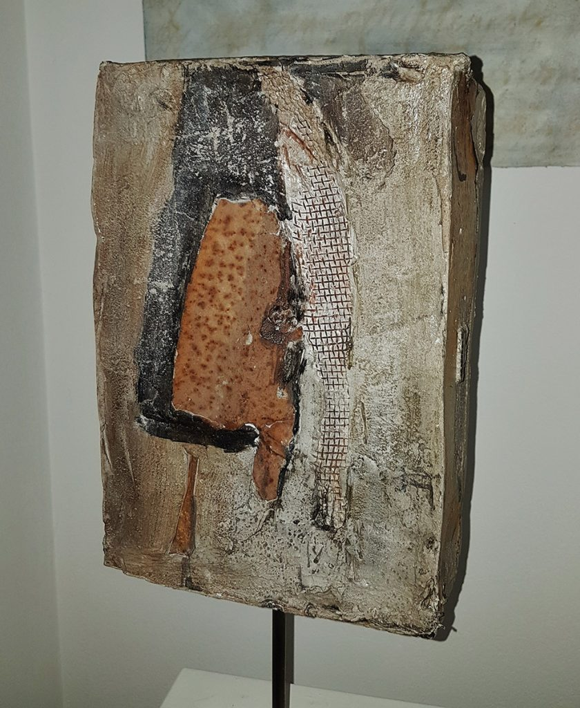 Pietra, verso 35 x 23 x 10 cm, béton recup. iron mat.
