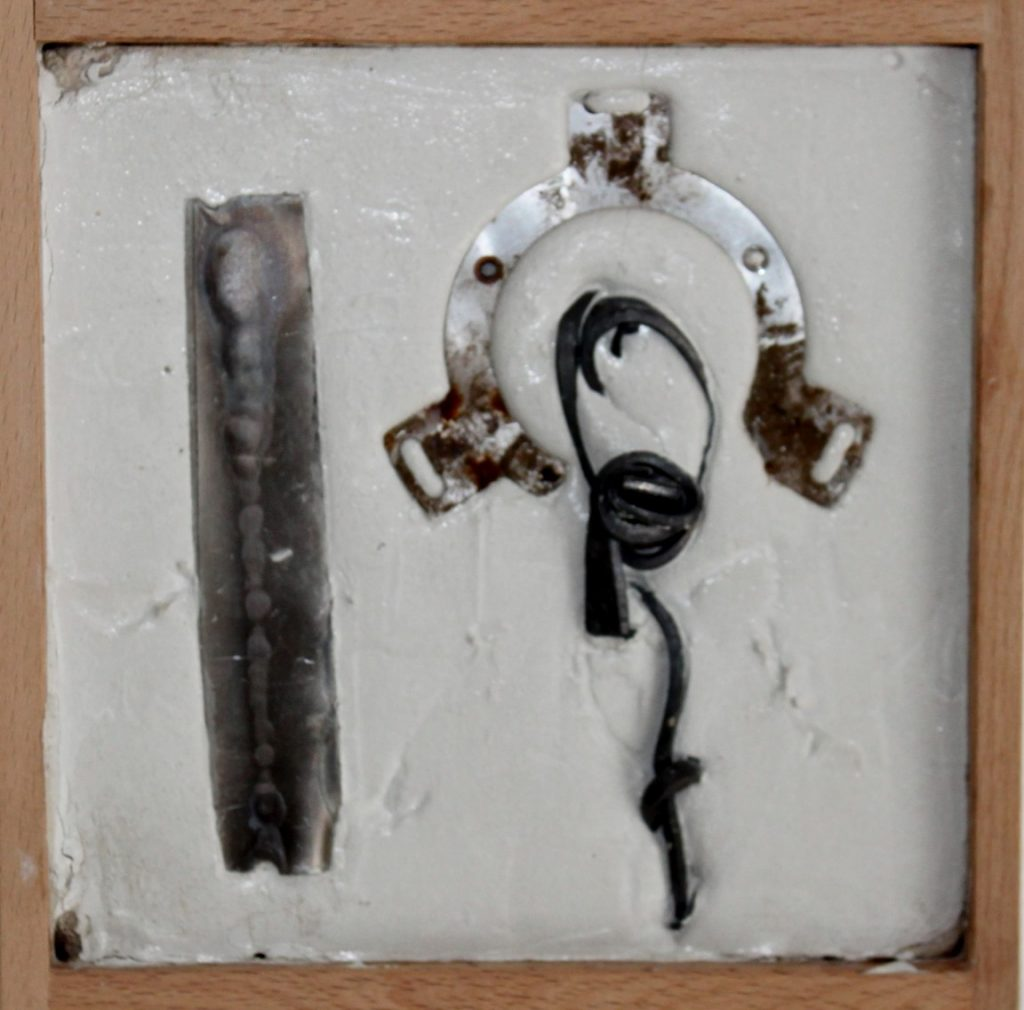 Petite composition, iron recup. marble powder white cement, 20 x 20 cm